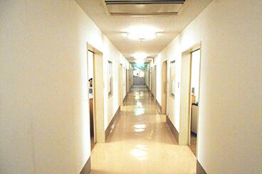 精神療養病棟 廊下